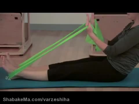 ورزش روئینگ : How to Simulate Rowing With Exercise Bands