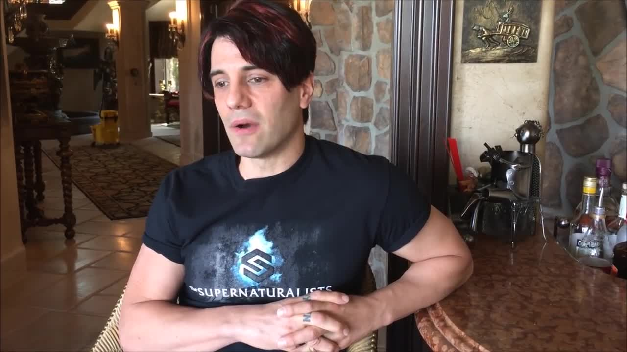 شعبده بازی کریس آنجل : Exclusive Criss Angel Video Interview Supernaturalists Tour