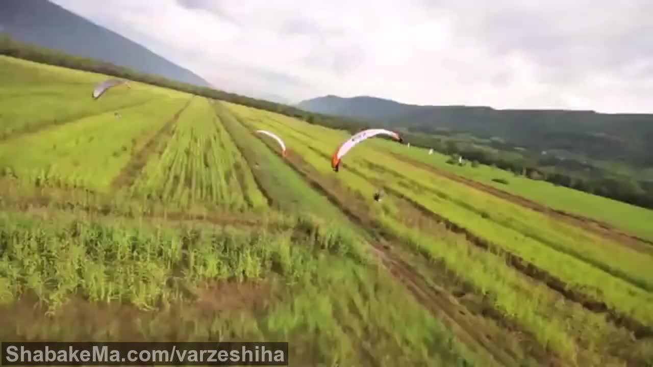 ورزش پاراگلایدینگ : Para motor Racing: Parajet Paragliding with a Motor | WIRED