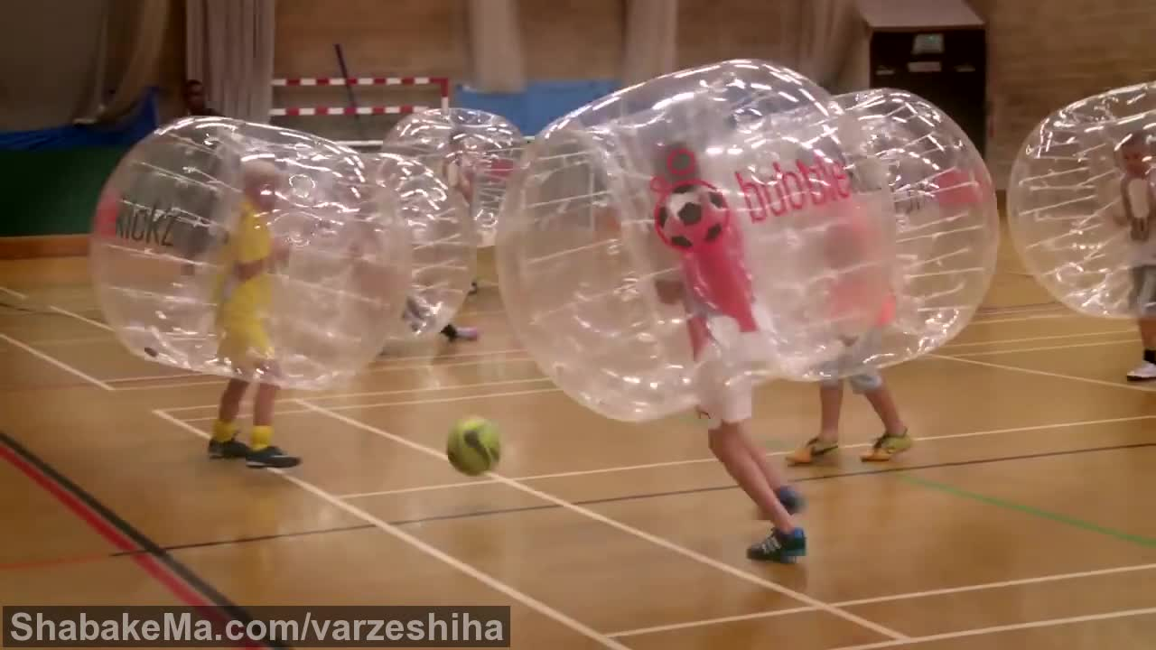 ورزش زوربینگ : Bubblekickz Kids - Zorb Football for kids!